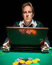 Online poker study: The more hands you win, the more money you lose