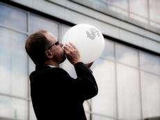 The Financial Bubble Experiment