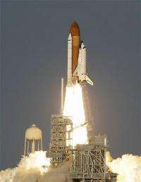 Throngs view space shuttle Discovery's last launch (AP)