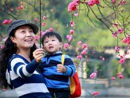 UC Berkeley psychologists bring science of happiness to China