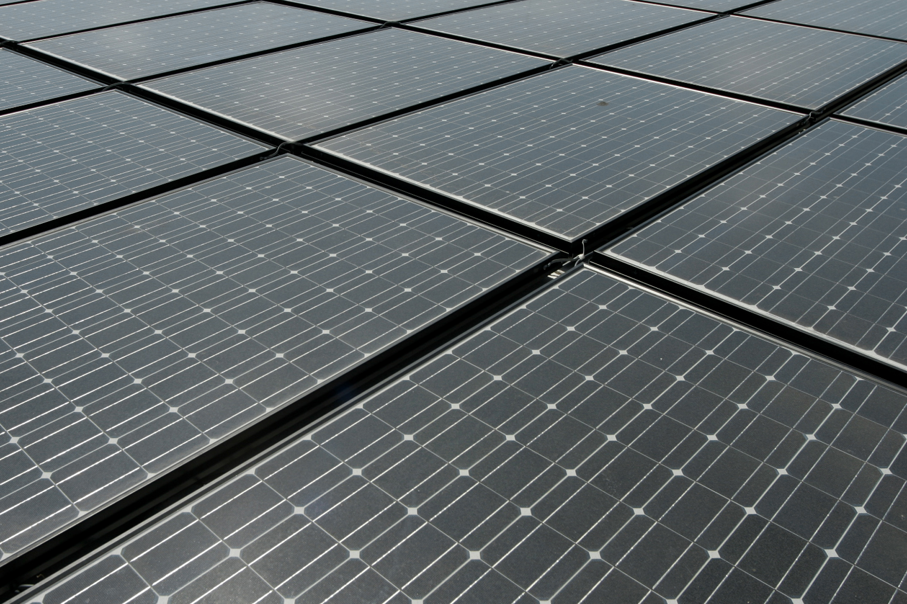 Collaborative Effort Proves Silicon Based Solar Cells Can