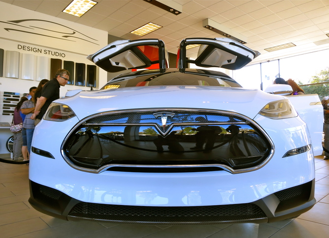Tesla S Model X Drive Us Towards Electric Cars For All