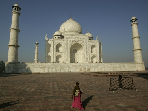 Taj Mahal Needs Nine Year Mud Pack To Tackle Pollution