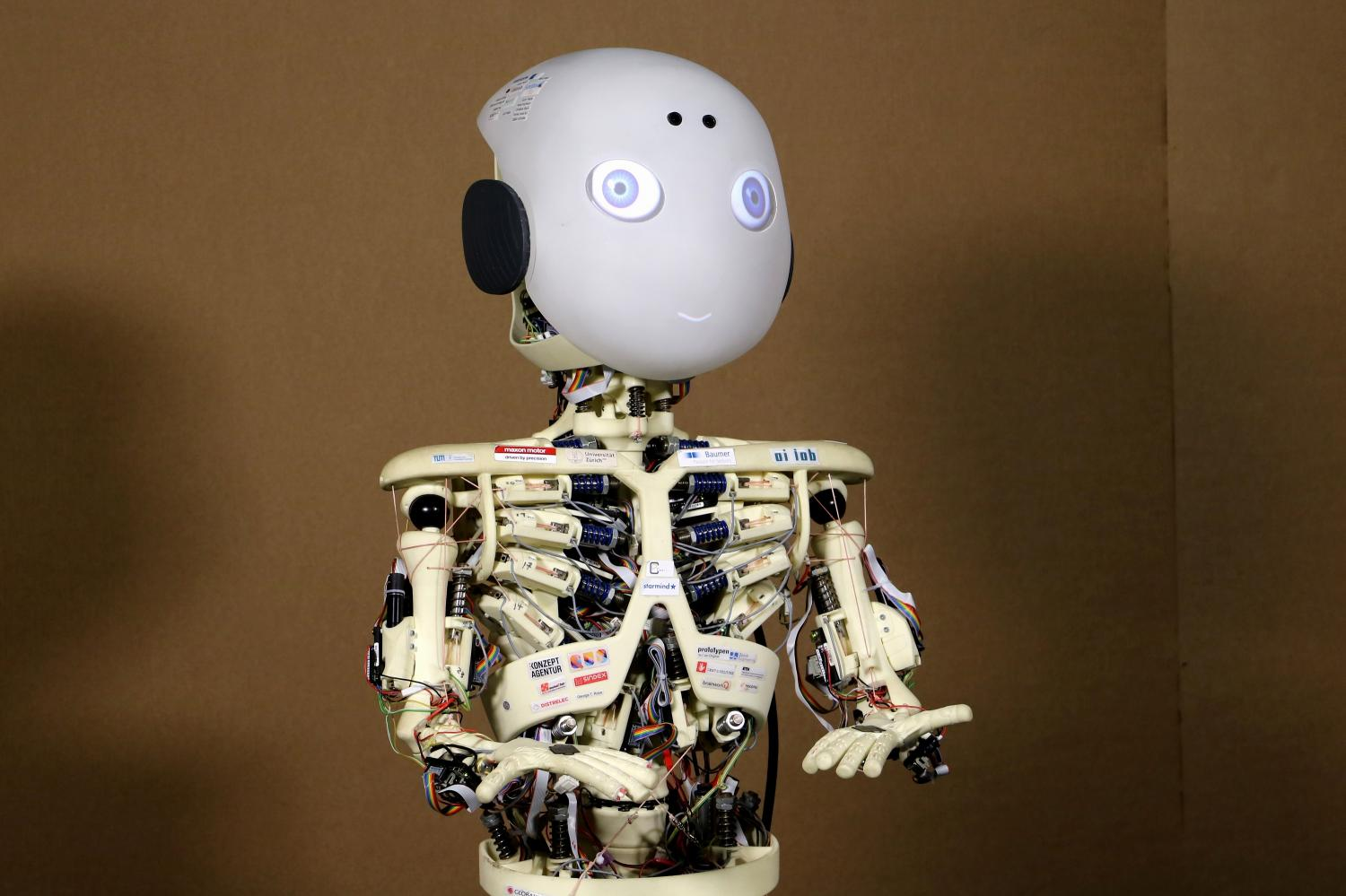 robot human and robots What the rise of sentient robots will mean for human beings the robot has a simple stream of consciousness consisting of the perceptions that dominate it moment.