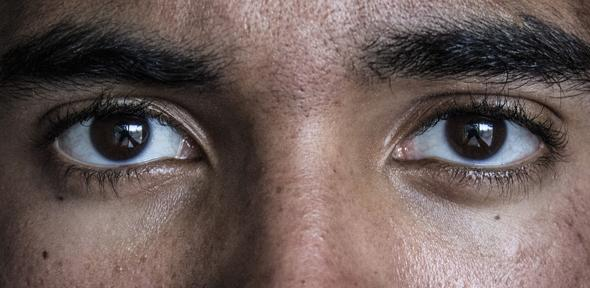 genes influence ability to read a person s mind from their eyes