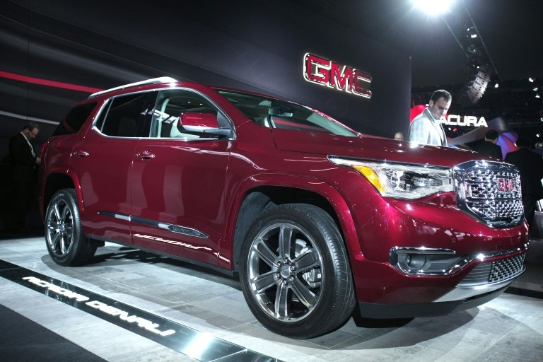 Gm To Add 700 Us Jobs To Plant Building Suvs