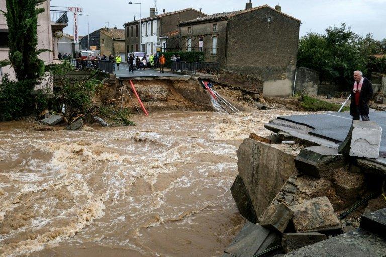 13 dead as flooding hits southwestern France