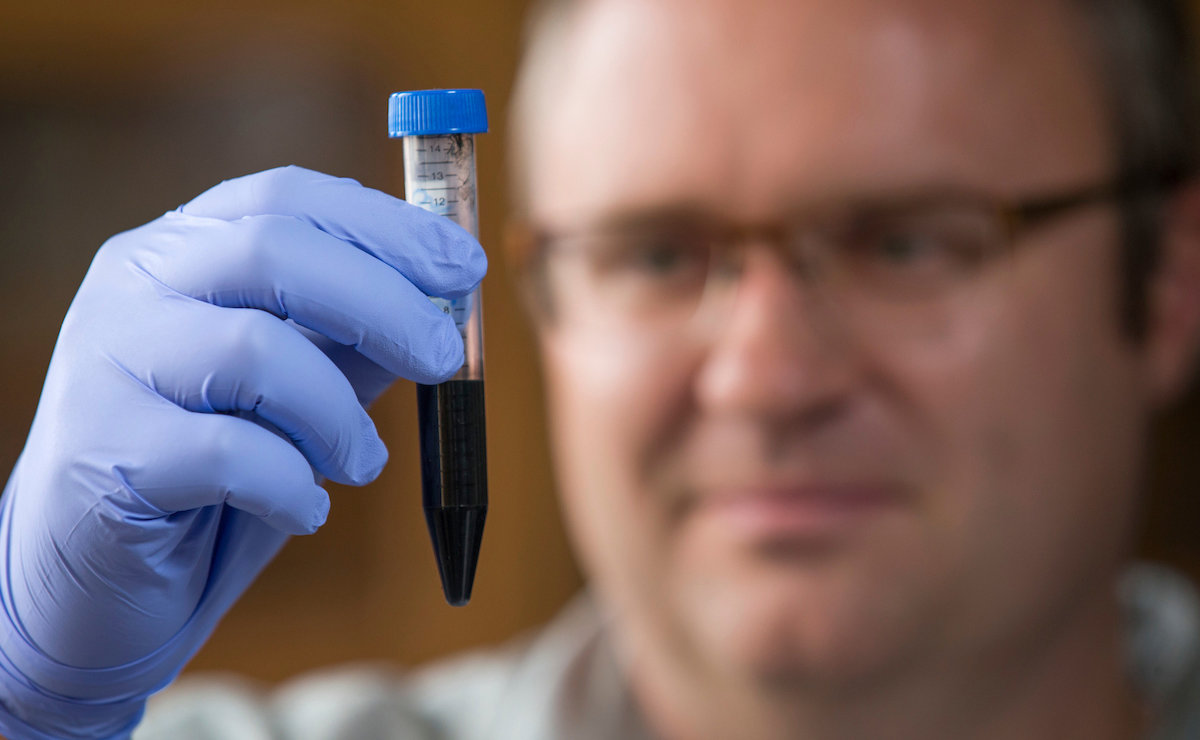 Engineers Develop Flexible Water Repellent Graphene Circuits For Is A Conductor Of Electricity When In Washable Electronics