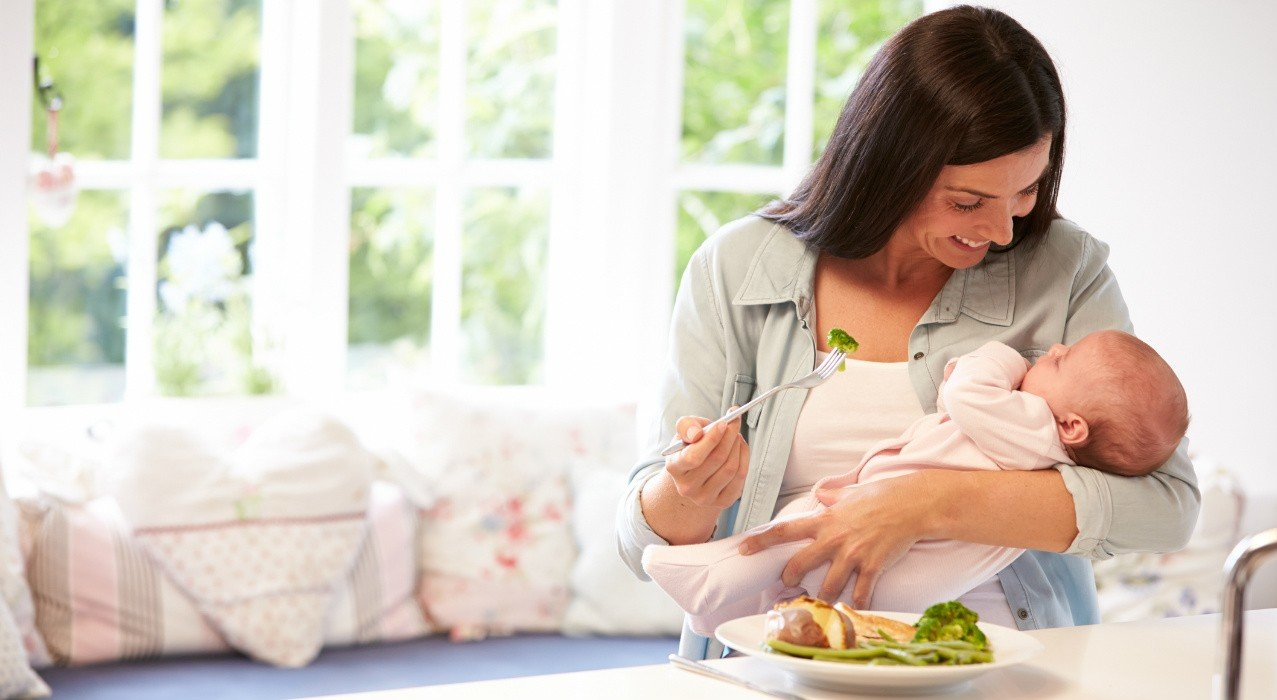 After giving birth: what does breastfeeding mother eat