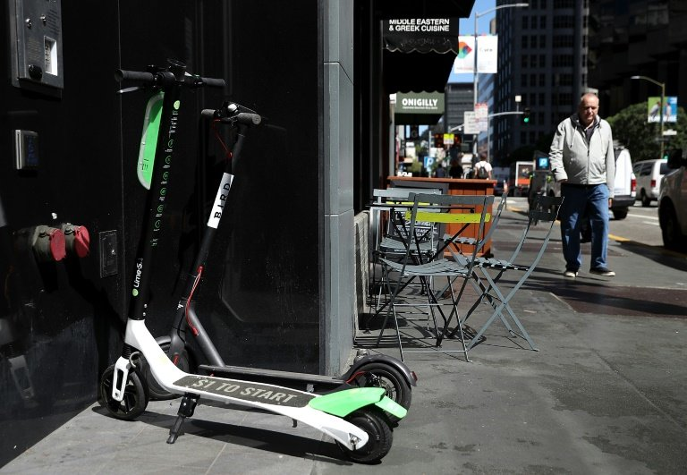 electric scooters launch in paris to spread in europe. Black Bedroom Furniture Sets. Home Design Ideas