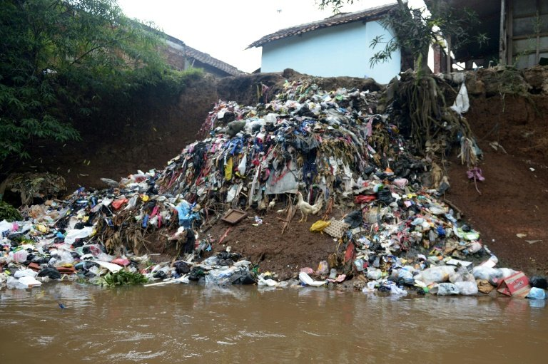 Indonesia Scrubbing The World S Dirtiest River