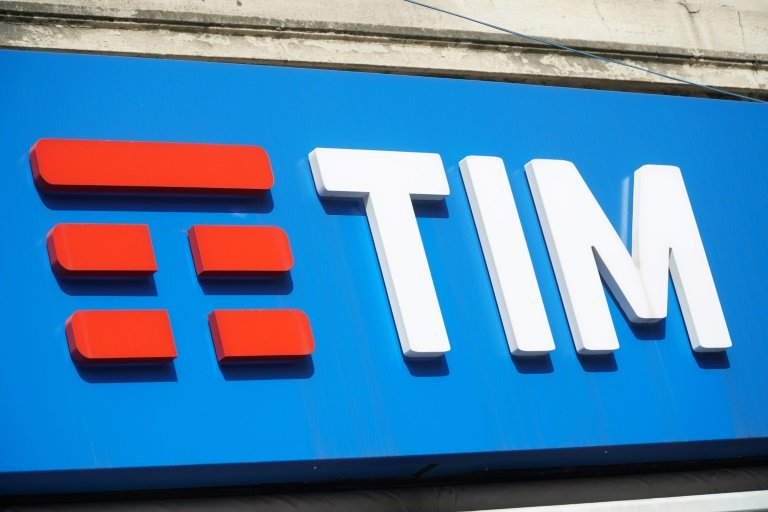 Telecom Italia Ceo To Step Down If Hedge Fund Breaks Up Board Report