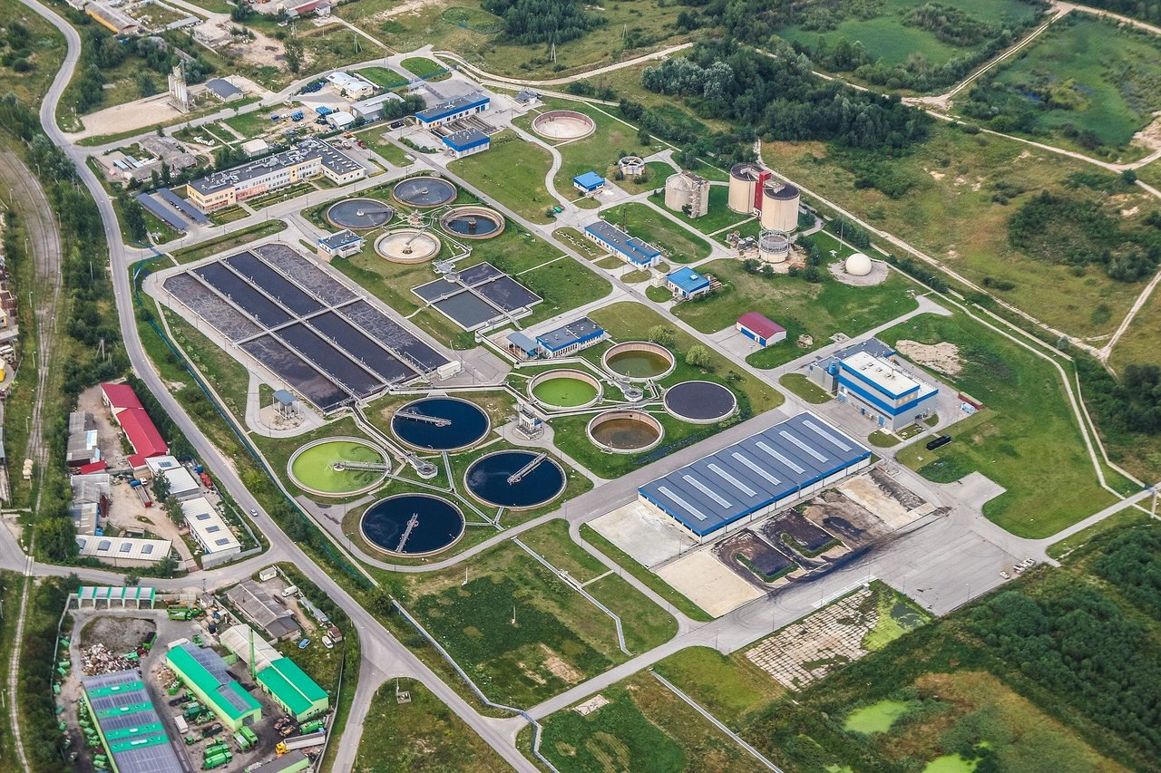 Wastewater treatment plants can become sustainable biorefineries