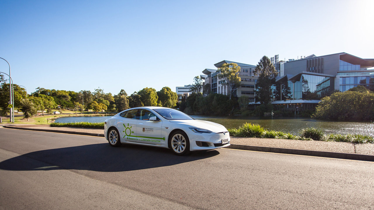Why battery-powered vehicles stack up better than hydrogen