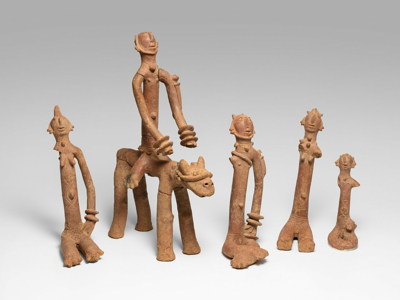 Art Institute of Chicago unveils key findings in African art thanks to medical technology