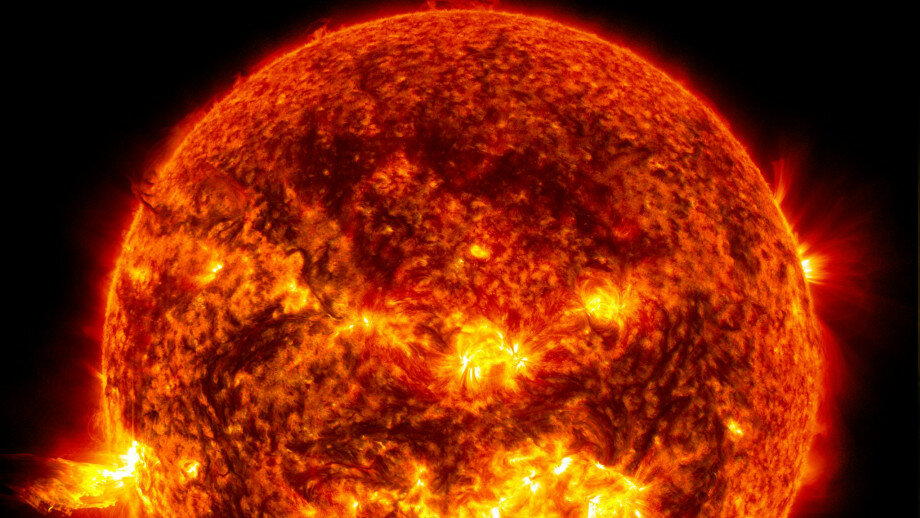 Earth is a less volatile version of the Sun, study finds