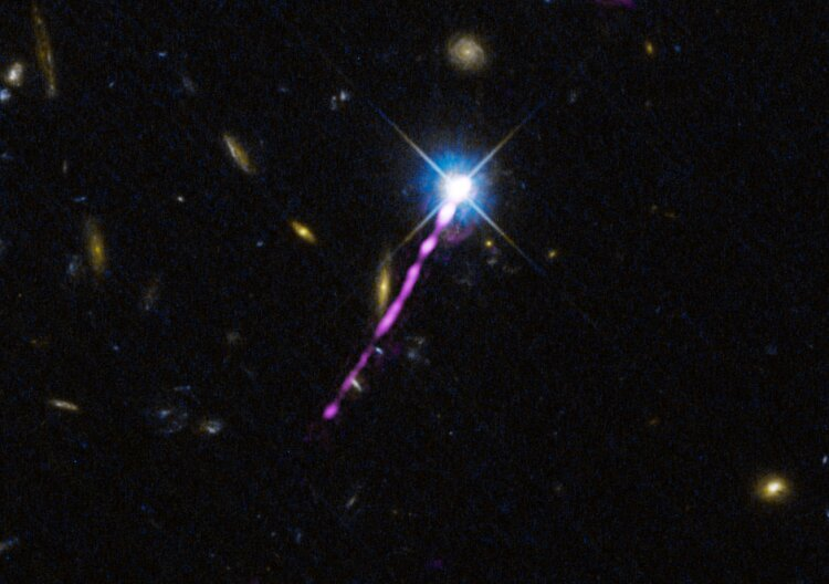Energy loss gives unexpected insights in evolution of quasar