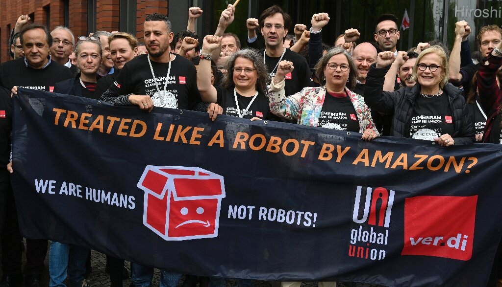 Amazon workers from around world join forces in Berlin