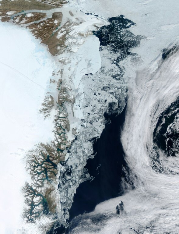 Researchers calculate decades of 'scary' Greenland ice melting - Phys.org thumbnail