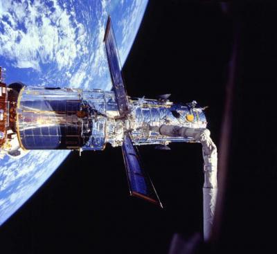 Hubble Space Telescope spies galaxy 32 billion light years ...