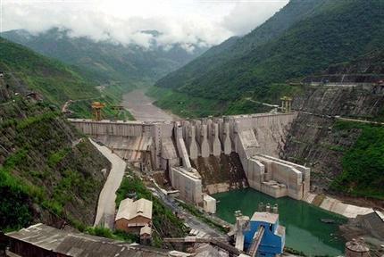 cons of building dams