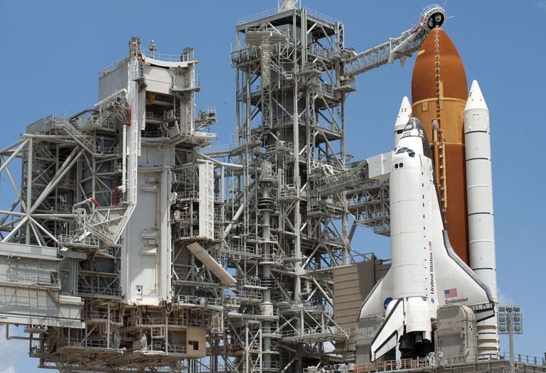 space shuttle to launch pad - photo #40