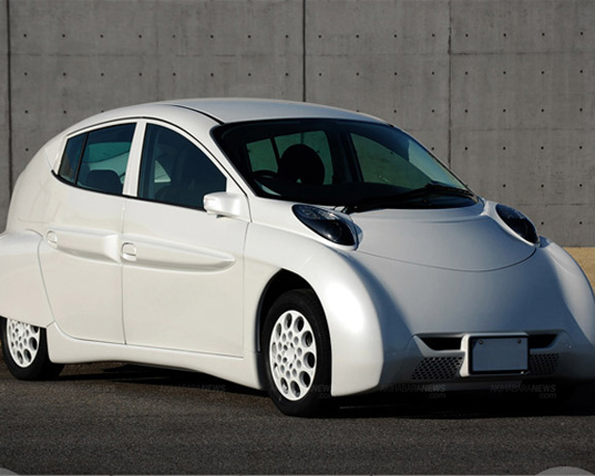 Electric Car Goes On Single Charge