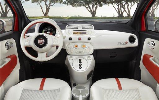 Fiat 500 adds electric and big versions to lineup Fiat Mini on suzuki mini, saturn mini, austin mini, lamborghini mini, smart mini, ft03 mini, hummer mini, volkswagen mini, harley-davidson mini, ford mini, ferrari mini, porsche mini, stanced mini, mercedes mini, innocenti mini, mini mini, peugeot mini, john deere mini, lowered mini,