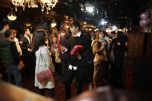 chinese matchmaking websites Top 10 matchmaking websites in  the website changed to its present name and expanded its matchmaking service to the  chinese more willing to keep yuan amid.