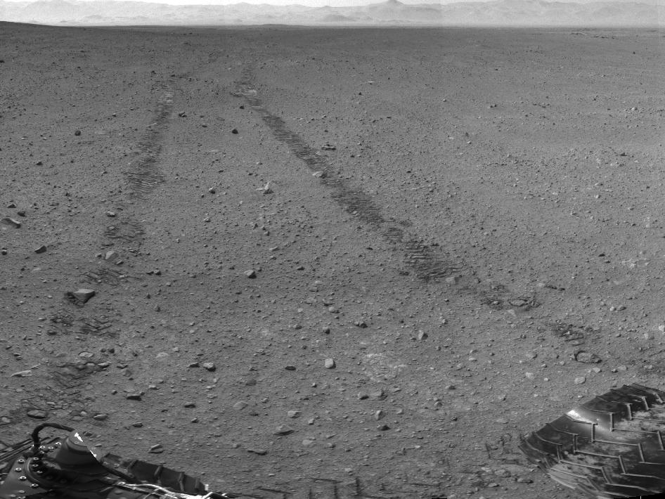 Visible From Space Curiosity Tire Tracks On Mars