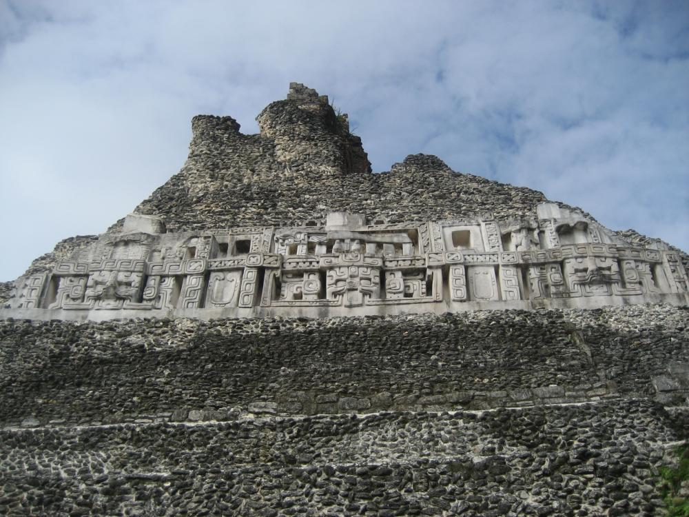 9780486212357 - A Study of Maya Art: Its Subject Matter ...