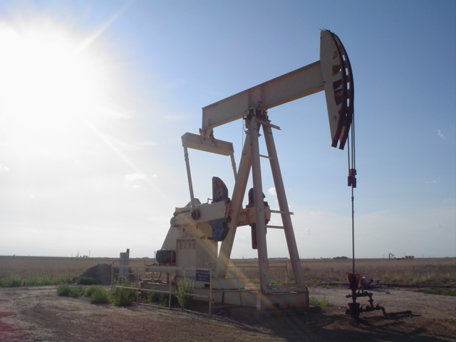 Study predicts world economy unlikely to stop relying on fossil fuels
