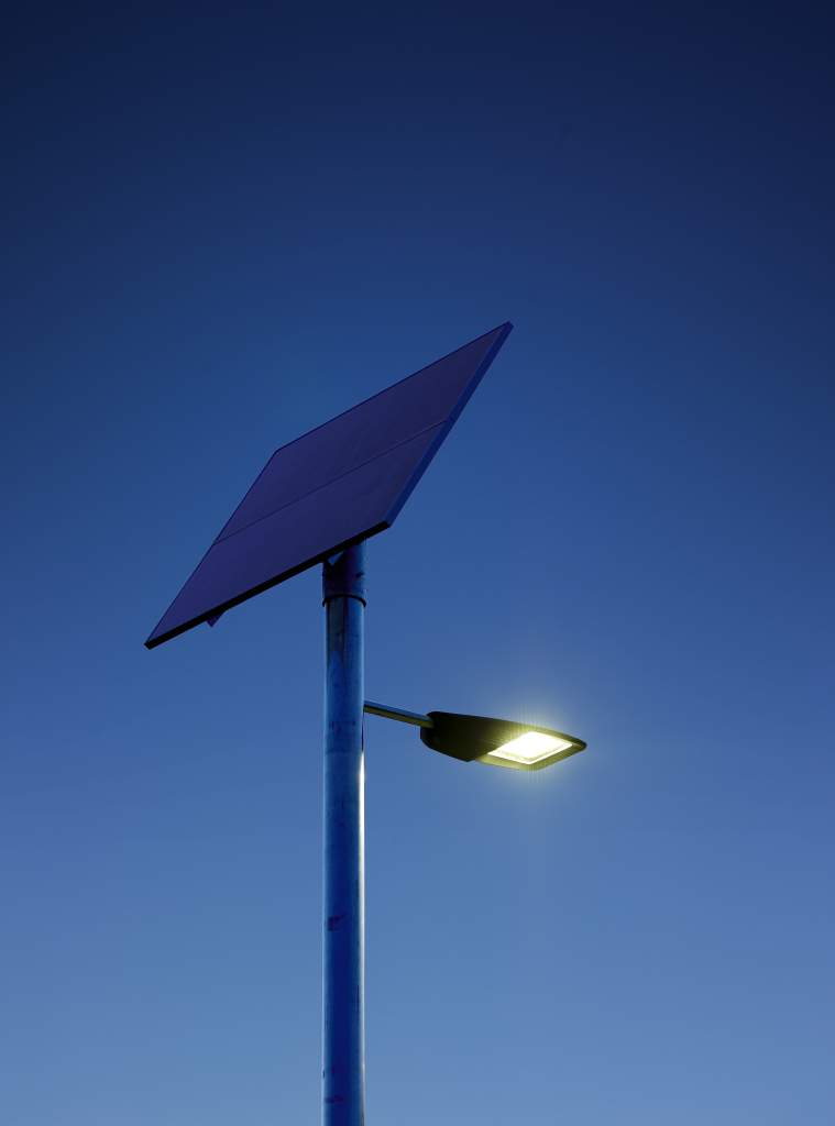 philips develops efficient solar powered led street lighting