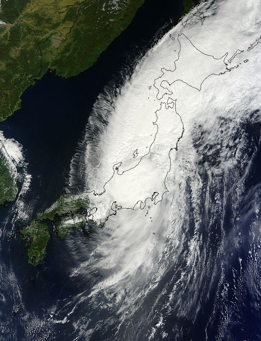 NASA satellites track Typhoon Man-yi across Japan