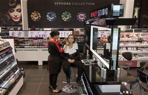 booming beauty market draws investors