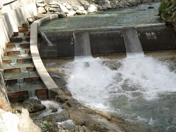 Mini Hydroelectric Dam : Increasing hydropower capacity without straining the