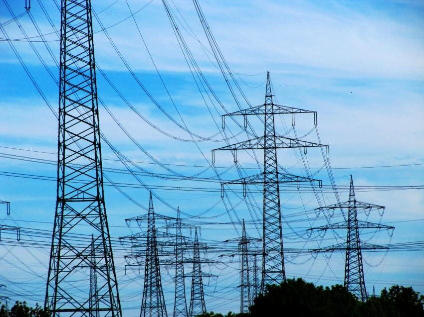 Electric Power Utility : Reliable electric power supply for the energy turn around