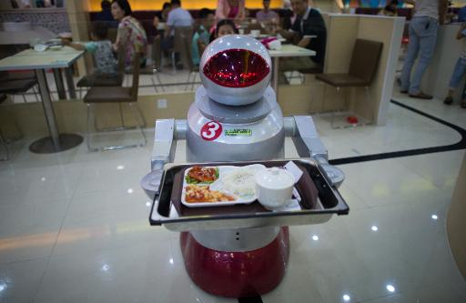 Robo-cook: Android restaurant boots up in China
