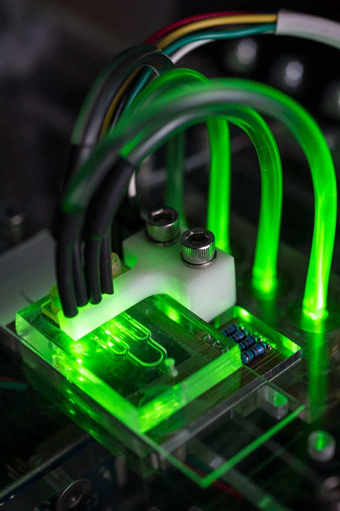 microfluidic device with artificial arteries measures