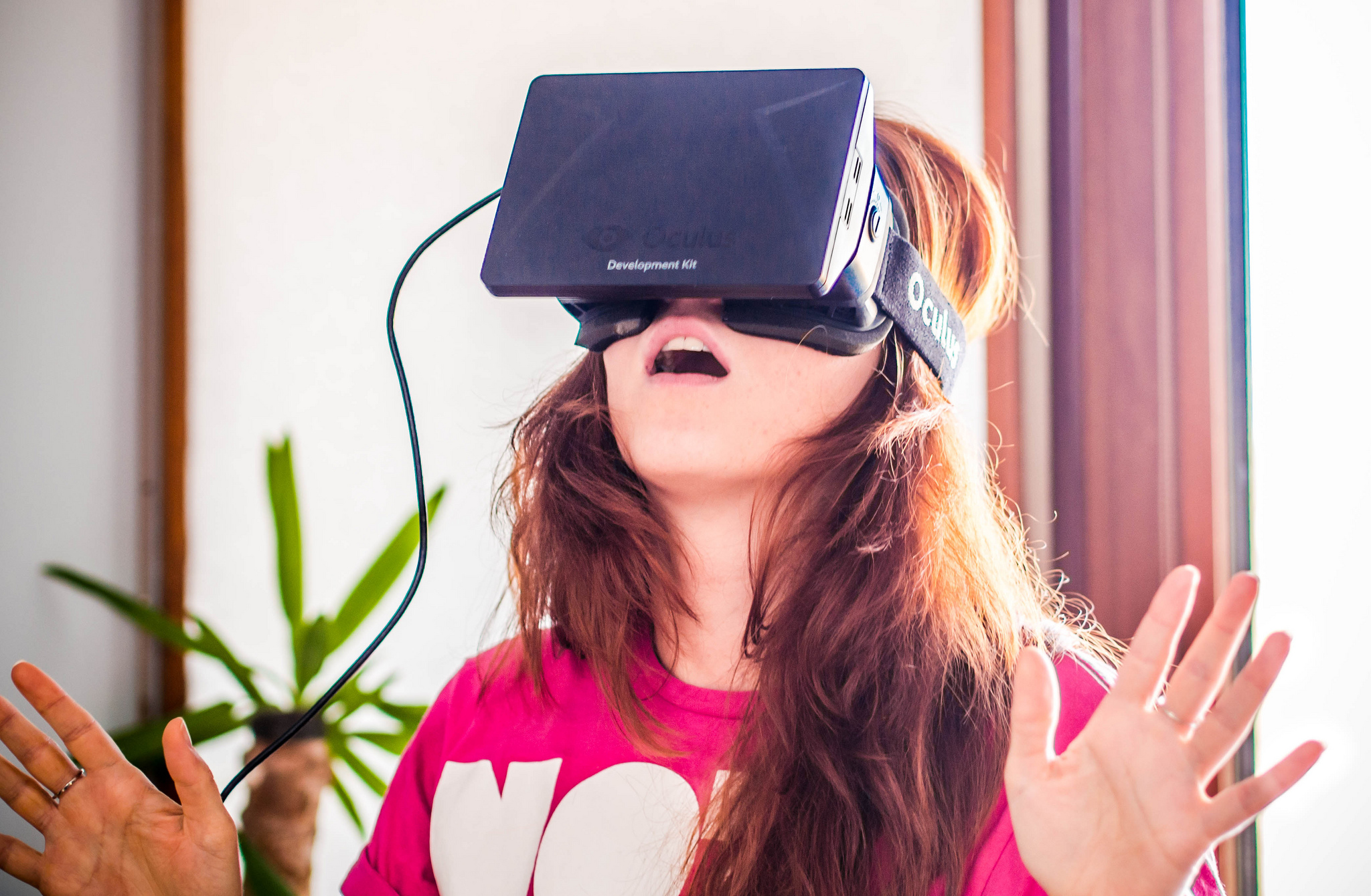 to build a virtual reality system – in your living room