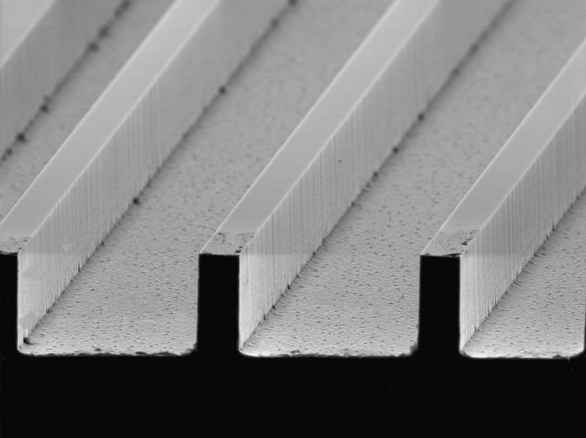 5e37cb3cc9da ... superhydrophobic surfaces by making wafers with these extremely small  ribs that are one tenth the width of a human hair. The ribs cause the water  to ...