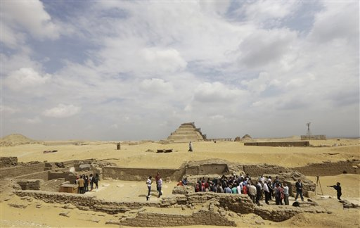 Tomb dating back to 1100 B.C. found in Egypt (Images)