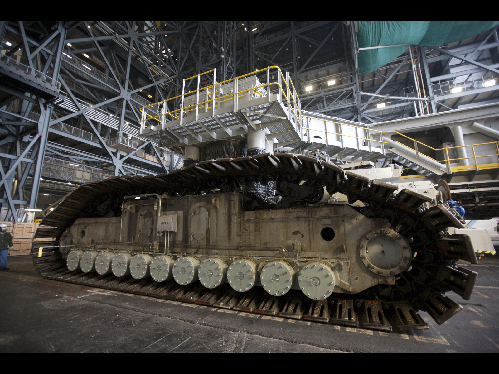 Image: Crawler-transporter passes milestone test at NASA's ...