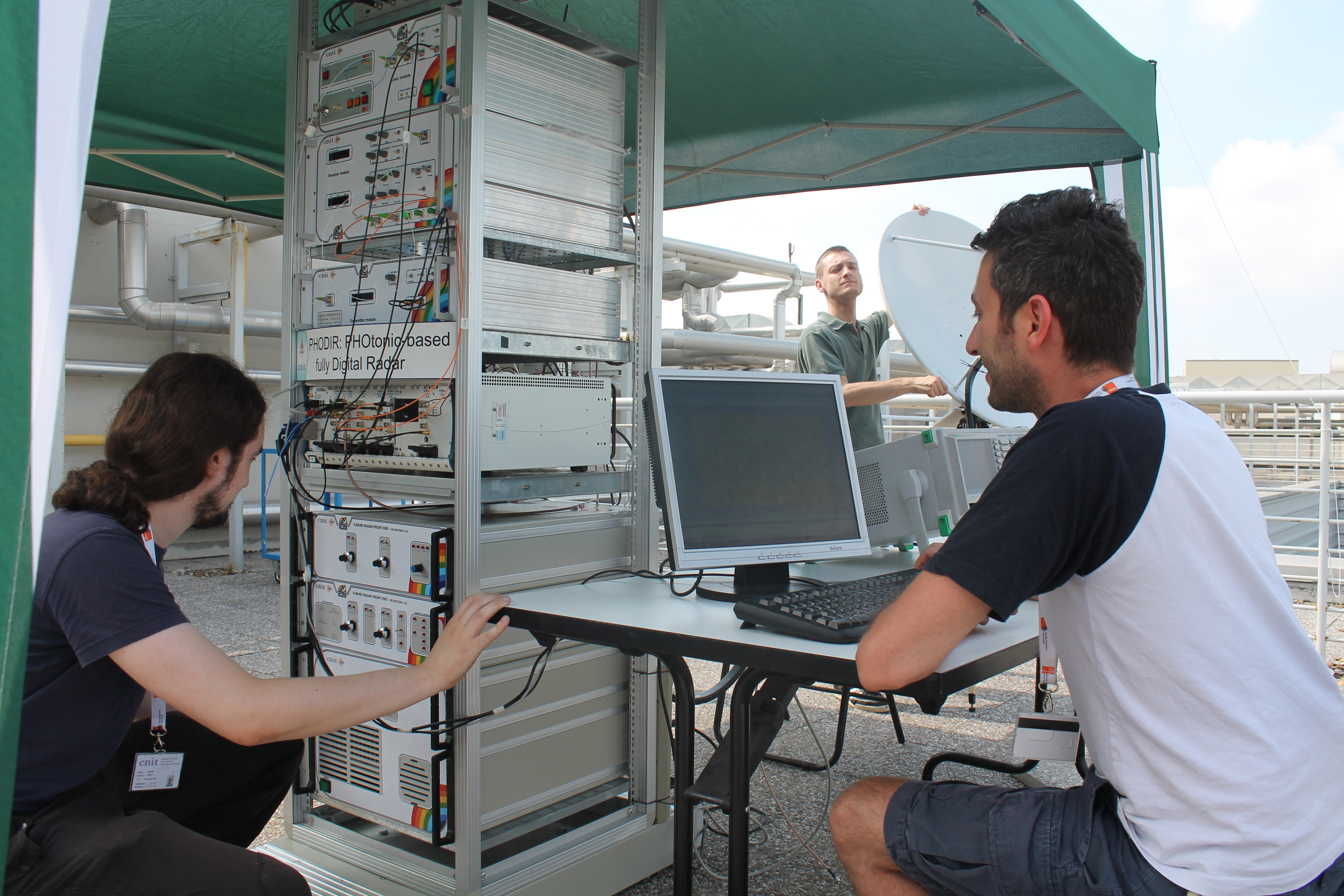 describe the benefits of mobile technology essay Background and history mobile phones technology is founded on the radio technology developed in the 1940, which formed the foundation for the innovations in police vehicles and cabs, where two way radios allowed two way communications.