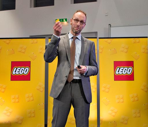 lego financial turnaround Lego building sets became increasingly complex with more unique components while the number of lego-branded items grew, sales did not, and in 1998 the company suffered its first financial loss.