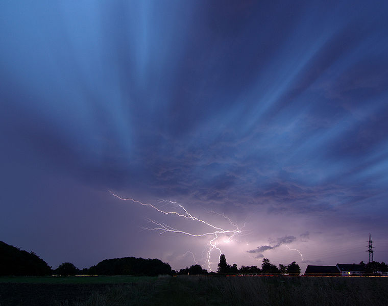 Lightning Storms Less Likely In A Warming Planet Study Suggests