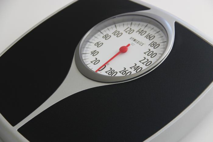 keeping track of weight daily may tip scale in your favor
