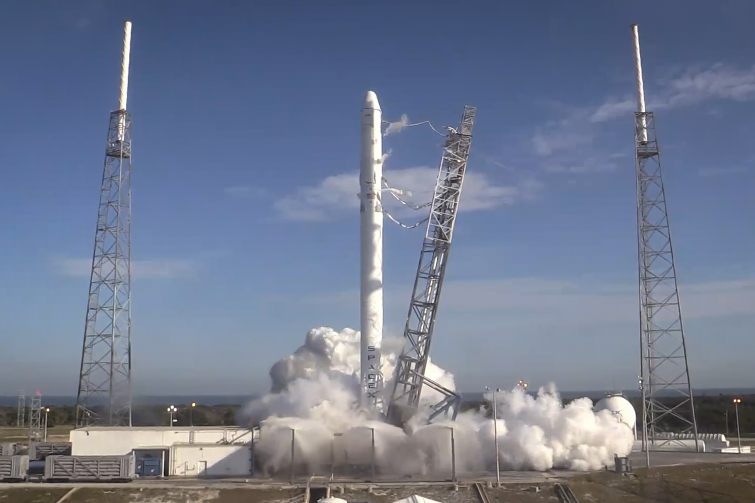 successful engine test enables spacex falcon 9 soar to space station in jan 2015