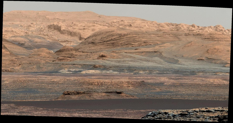 Curiosity Mars rover heads toward active dunes