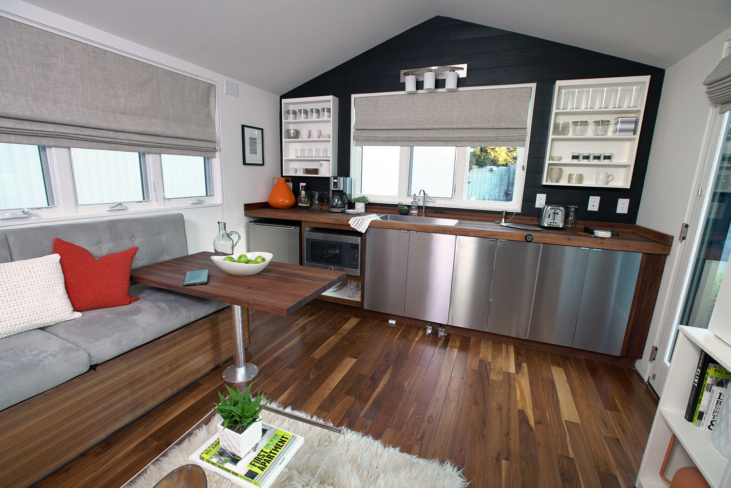a day in the life of a well connected home courtesy of intel. Black Bedroom Furniture Sets. Home Design Ideas